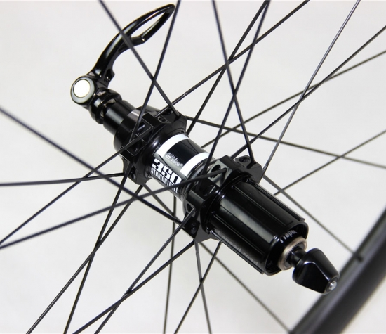carbon road wheels DT350S